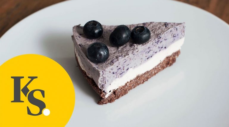 Raw Blueberry Cheesecake | No Bake Paleo Recipe | With Cashews, Walnuts and Coconut