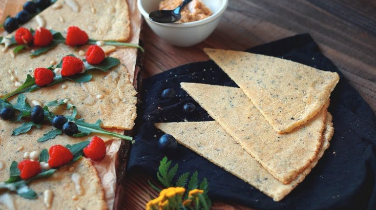 Low Carb Crackers / Gluten-free / Grain-free / Paleo / Keto